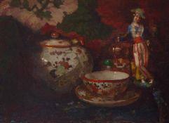 Stillleben mit Teetasse und PorzellanfigurUm 1900Öl/Holz. Ca. 28 x 37,5 cm.