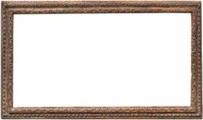 Italienischer ProfilrahmenUm 1600Hochrechteckig, geschnitzte, hinterkehlte Sichtleiste,
