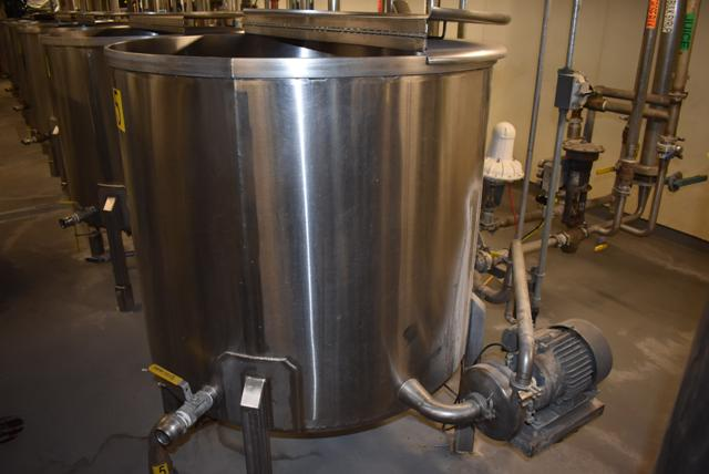"Lot 13 - Stainless Steel Tank w/Lid, 42"" Diameter x 36"" Depth/210 Gallon Capacity, Motor and Circulating"