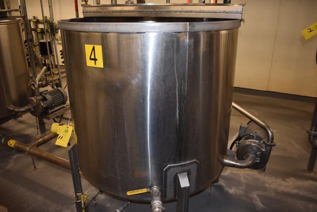 "Lot 11 - Stainless Steel Tank w/Lid, 42"" Diameter x 36"" Depth/210 Gallon Capacity, Motor and Circulating"