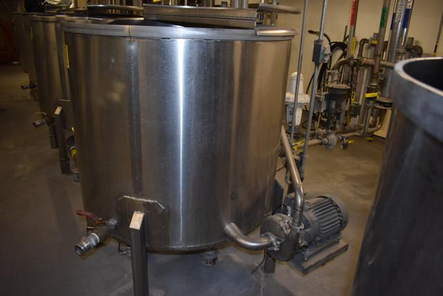 "Lot 7 - Stainless Steel Tank w/Lid, 42"" Diameter x 36"" Depth/210 Gallon Capacity, Motor and Circulating"