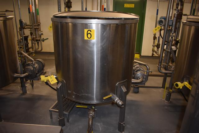 "Lot 15 - Stainless Steel Tank w/Lid, 42"" Diameter x 36"" Depth/210 Gallon Capacity, Motor and Circulating"