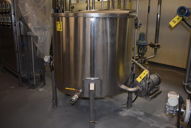 "Lot 26 - Stainless Steel Tank w/Lid, 42"" Diameter x 36"" Depth, Motor & Circulating Pump, Tank Sensor, SS"