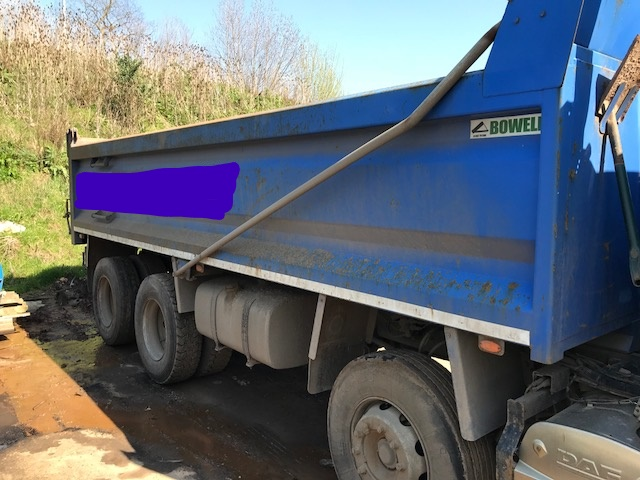 Lot 13 - DAF CF 85.360 tipper with AdBlue + VAT