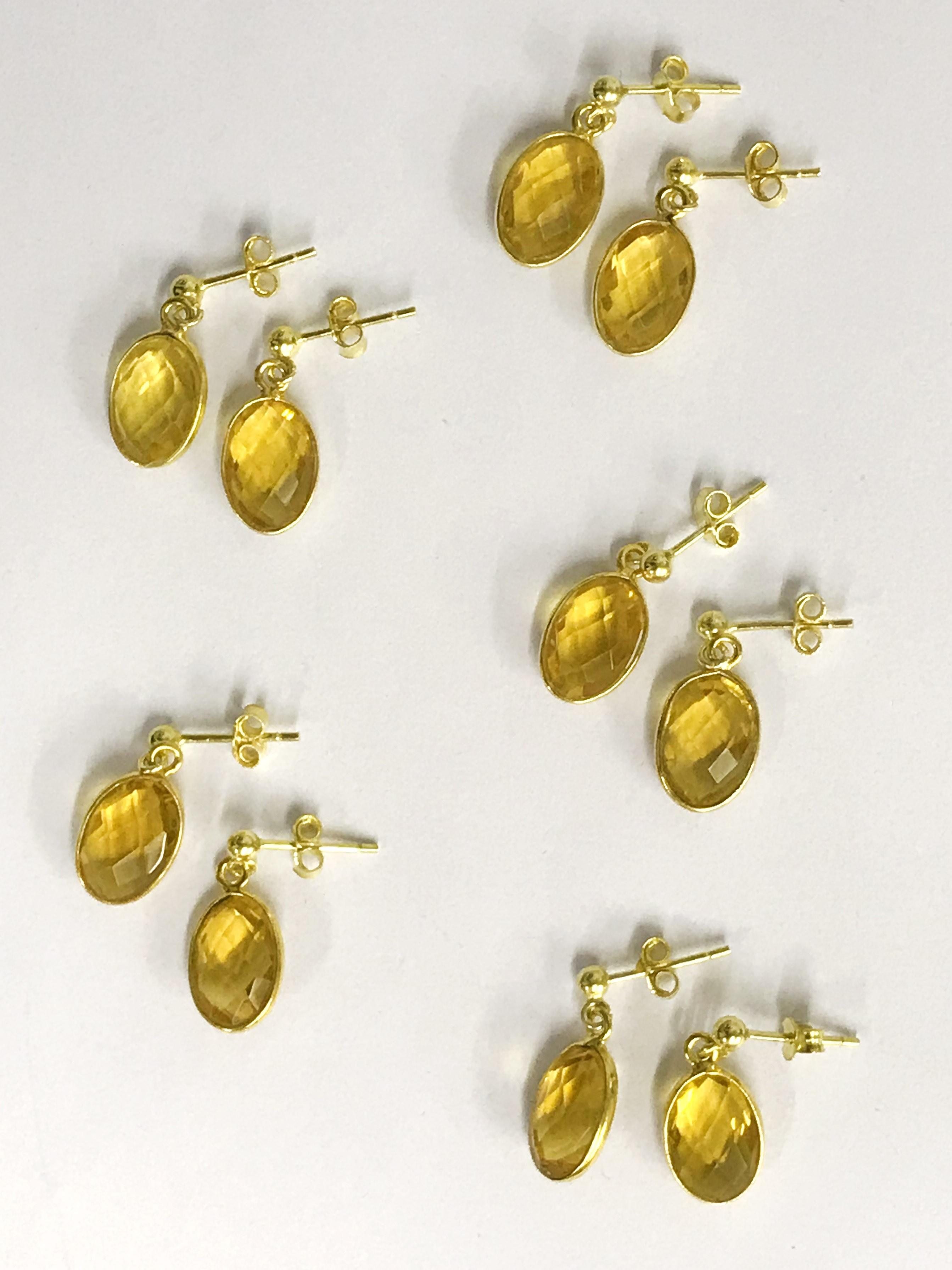Lot 18 - X5 Pairs of earrings 14k gilt Citren gemstone stud