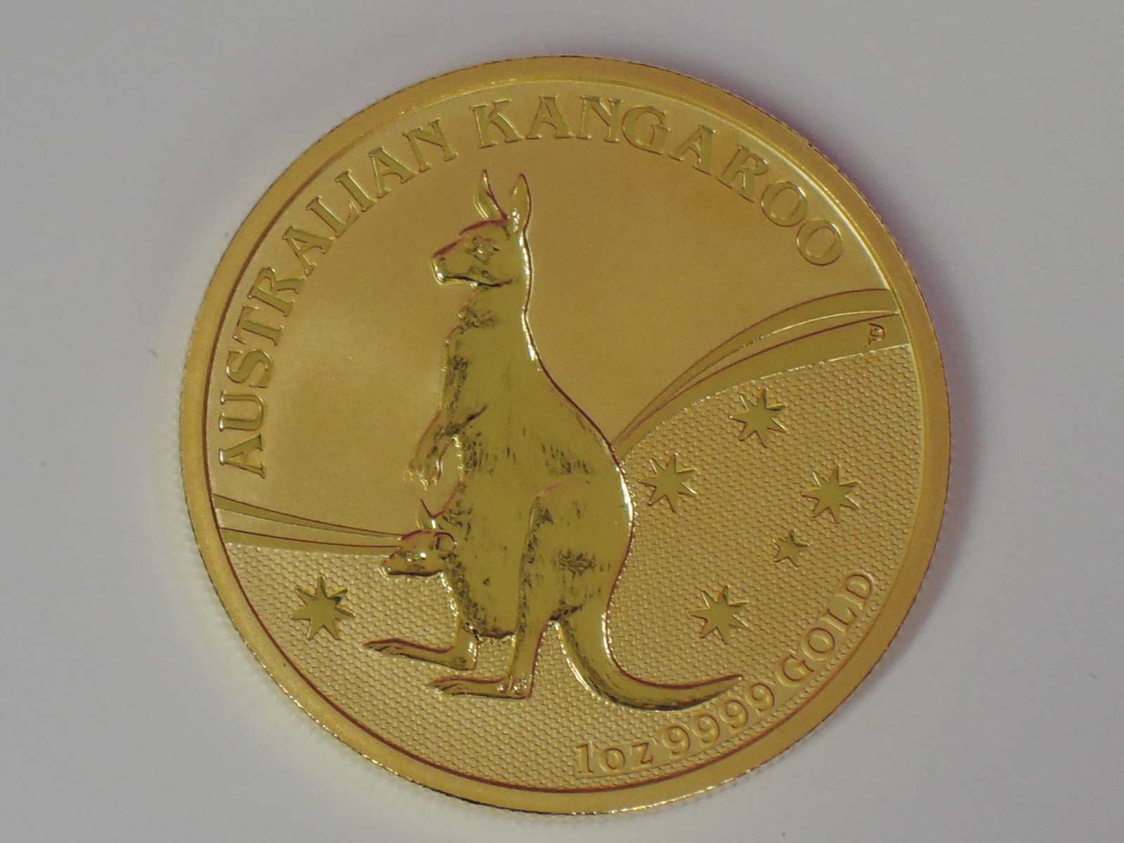 Lot 602 - A gold 1oz 2009 100 dollar Australian Kangaroo coin, in plastic case