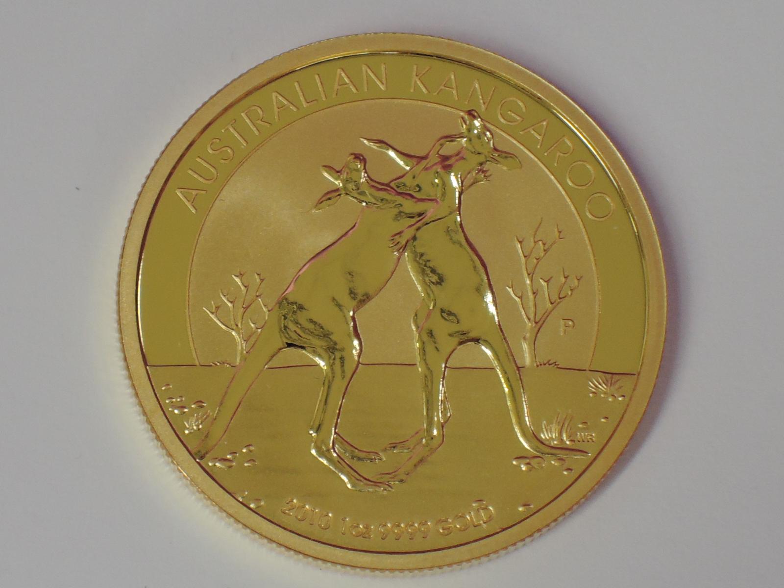 Lot 603 - A gold 1oz 2010 100 dollar Australian Kangaroo coin, in plastic case