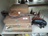Lot 38 - A selection of vintage cigar boxes, ceramic elephant and cruet set by Wyncraft