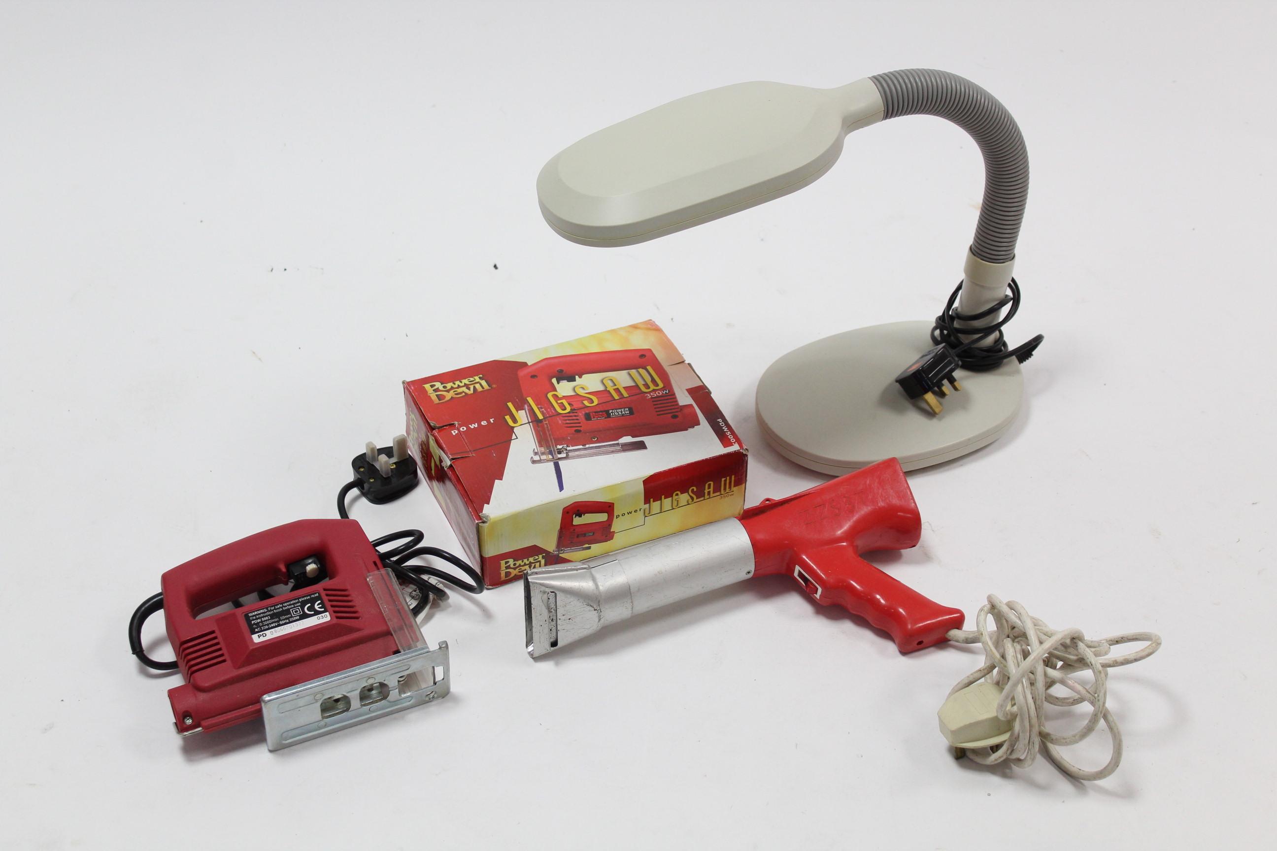Lot 5 - A Power Devil 350w jigsaw, boxed; a Heat Streak 2000 hot air gun; & a Lifemax anglepoise desk lamp.