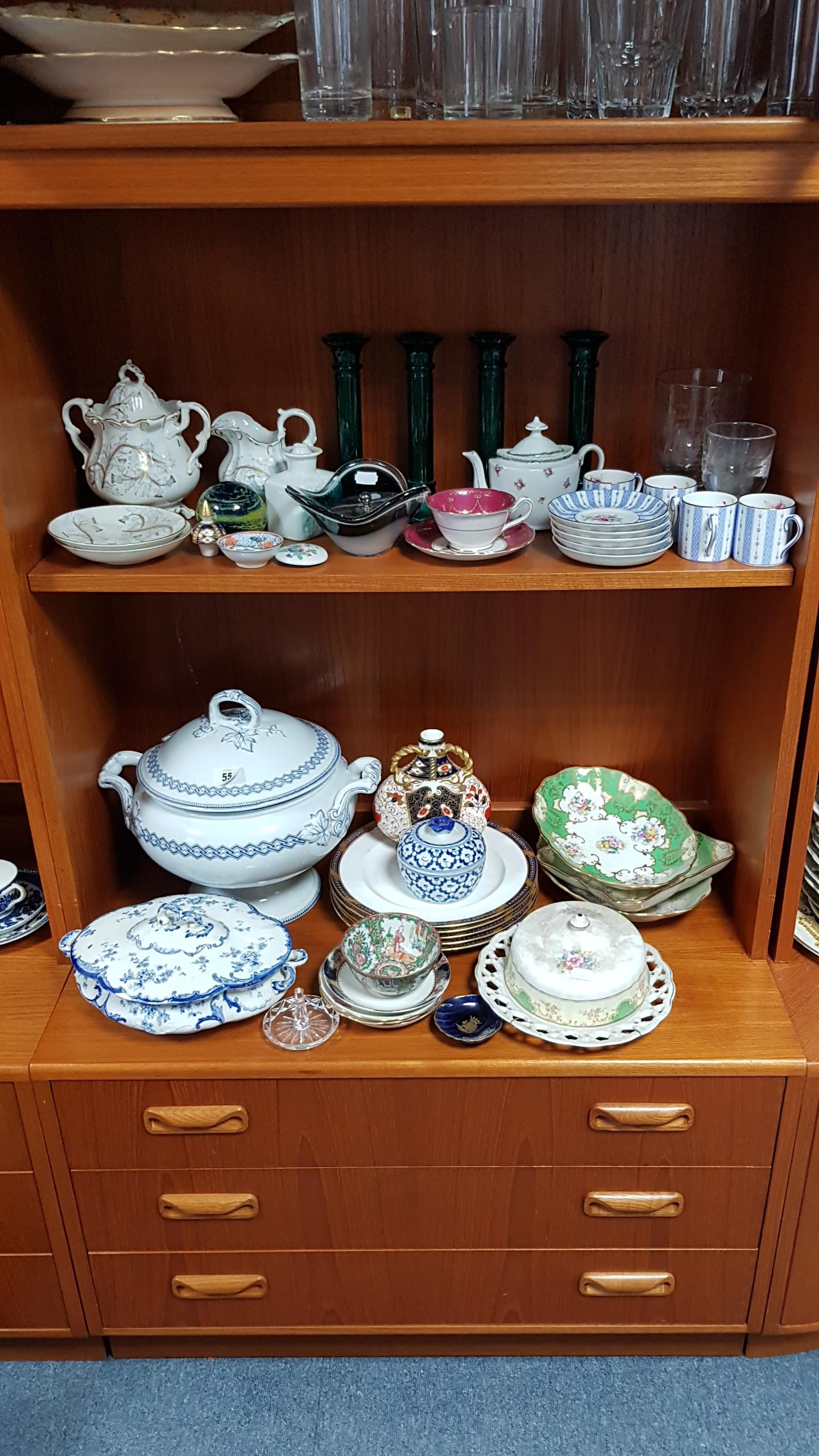 Lot 55 - Various items of decorative china, pottery & glassware, part w.a.f.