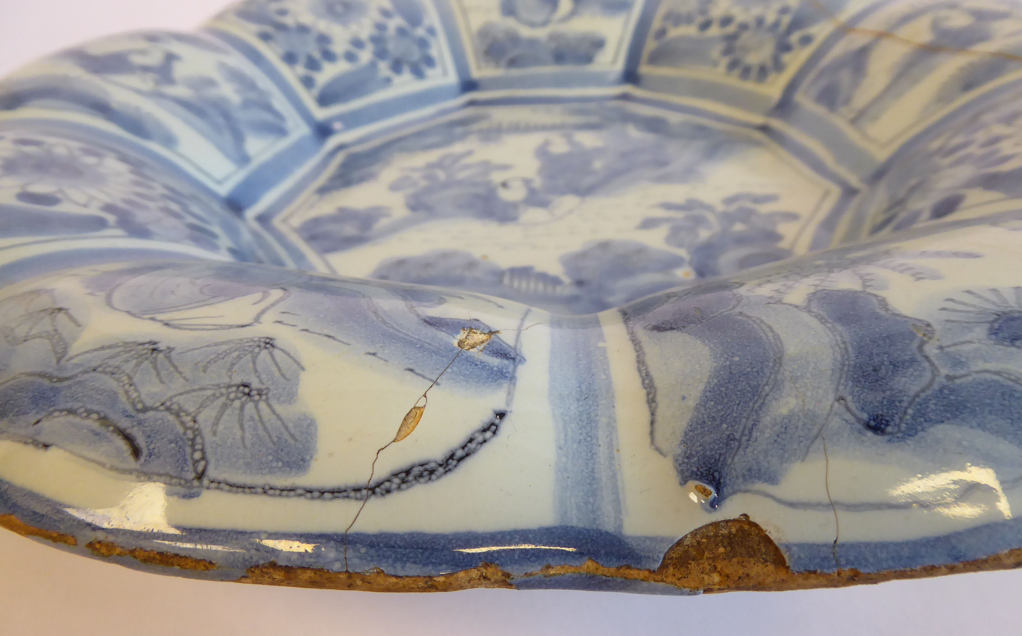 Lot 5 - Two similar 18thC Delft ware dishes of lobed design,