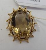 Lot 12 - A 9ct gold pendant,