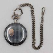 Damentaschenuhr vergold. in GG 333, rundes Lepine-Gehäuse, Dca.2,8cm, weißes Emailzifferblatt mit