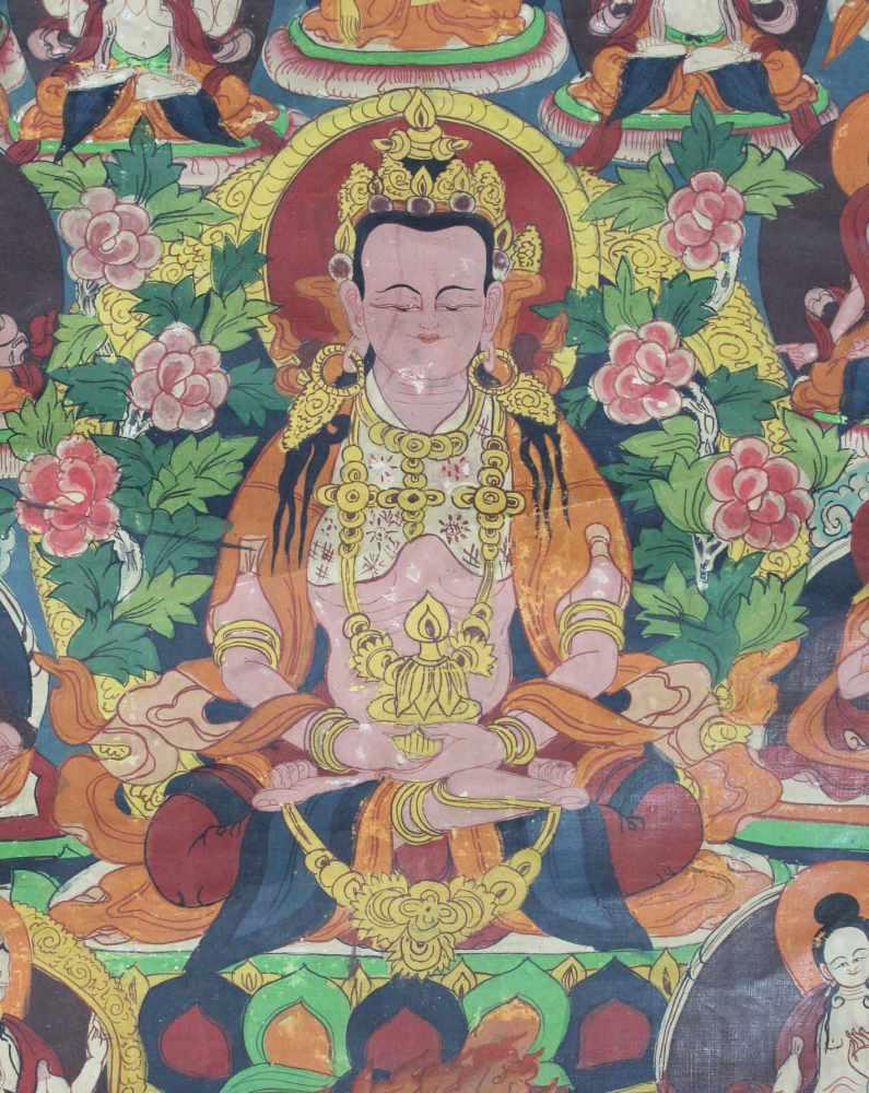 Lot 13 - Amitabha Buddha, Thangka, China / Tibet alt.47,5 cm x 47,5 cm. Gemälde. In der Dhyana Mudra.Amitabha