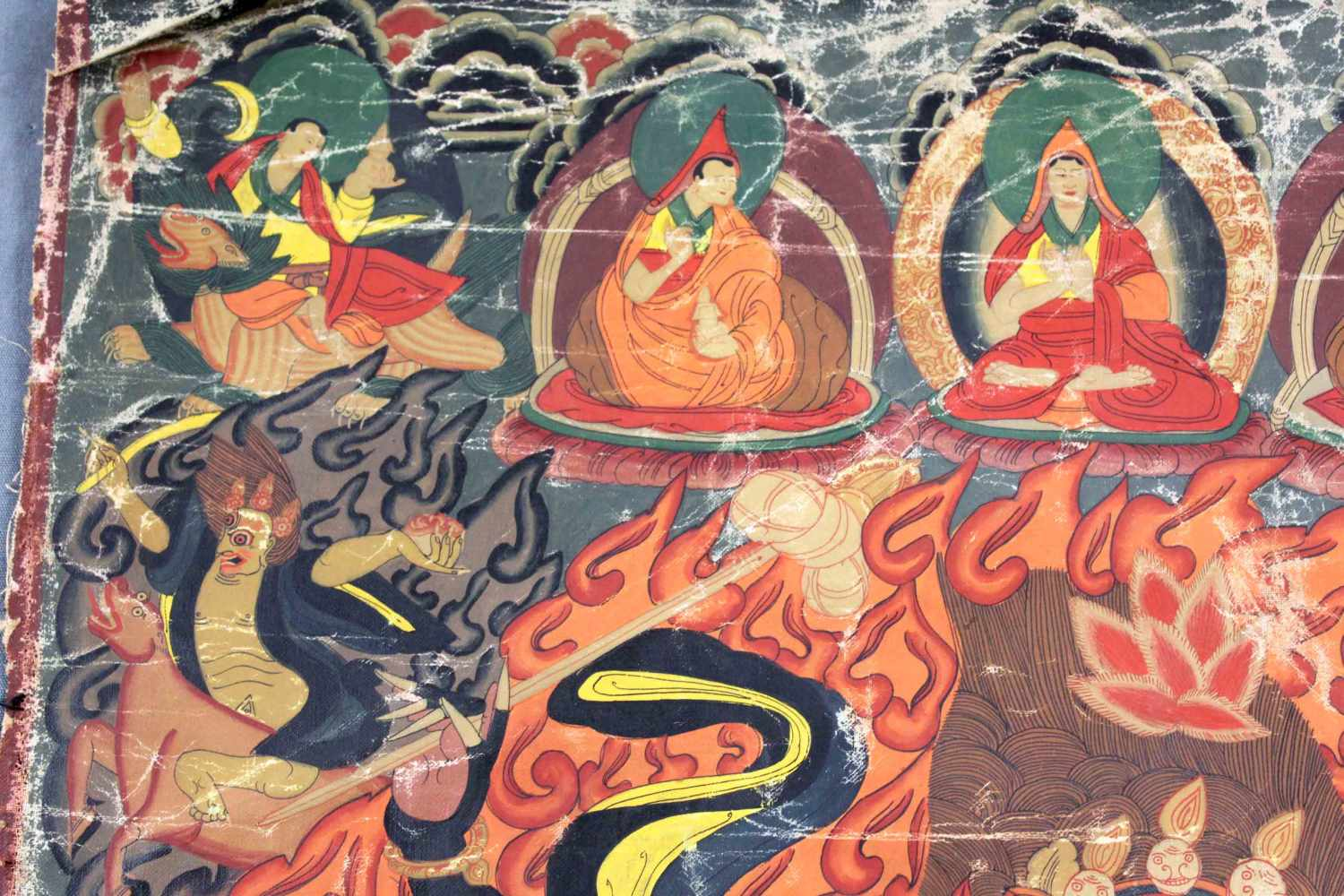 Lot 38 - Darstellung Palden Lhamo ? Thangka, China / Tibet alt.67 cm x 45,5 cm. Gemälde.Depicting Palden