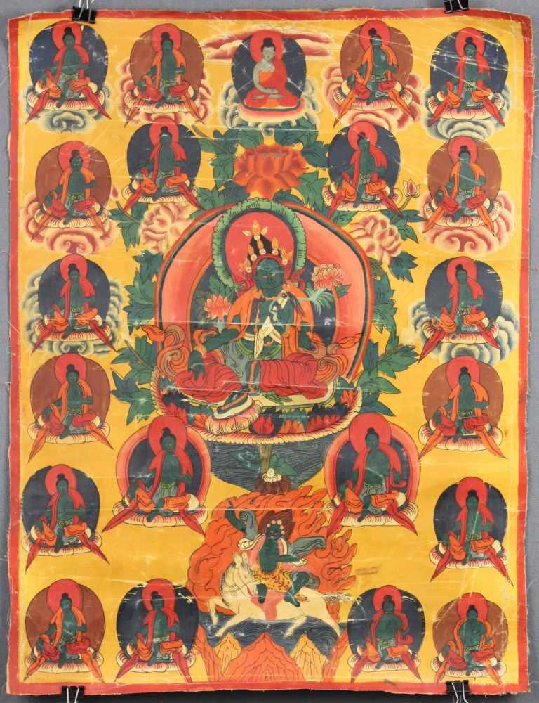 Lot 8 - Amoghasiddhi ? Thangka, China / Tibet alt.58 cm x 44 cm. Gemälde.Amoghasiddhi ? Thangka, China /