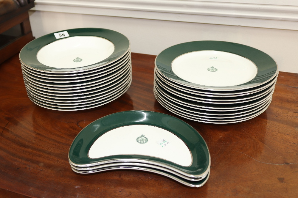 Lot 55 - A Simpsons Ambassador ware part dinner service, with The Royal Green Jackets crest, 13 soup plates,
