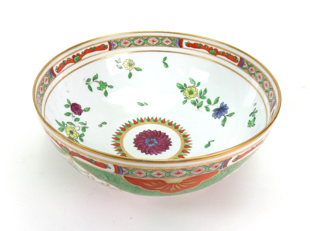Lot 42 - A Paris porcelain bowl, late 19th century, painted with The Dragons in Compartments pattern,