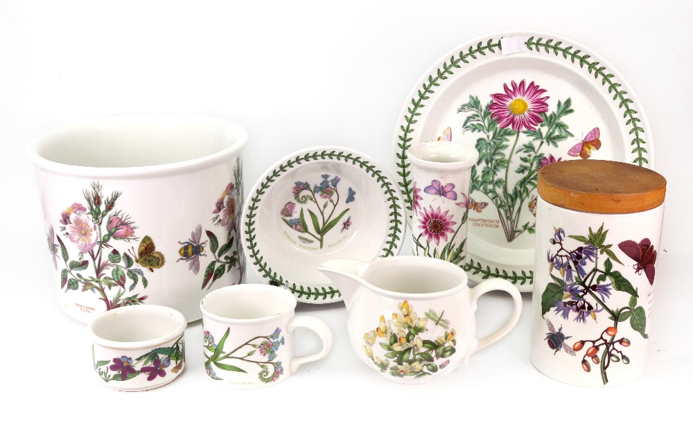 Lot 12 - A large collection of Portmeirion Botanic Garden pattern china, including a tea and dinner service,