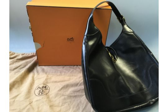 A Hermes black box trim 31 leather shoulder bag 28eae1ee897c4
