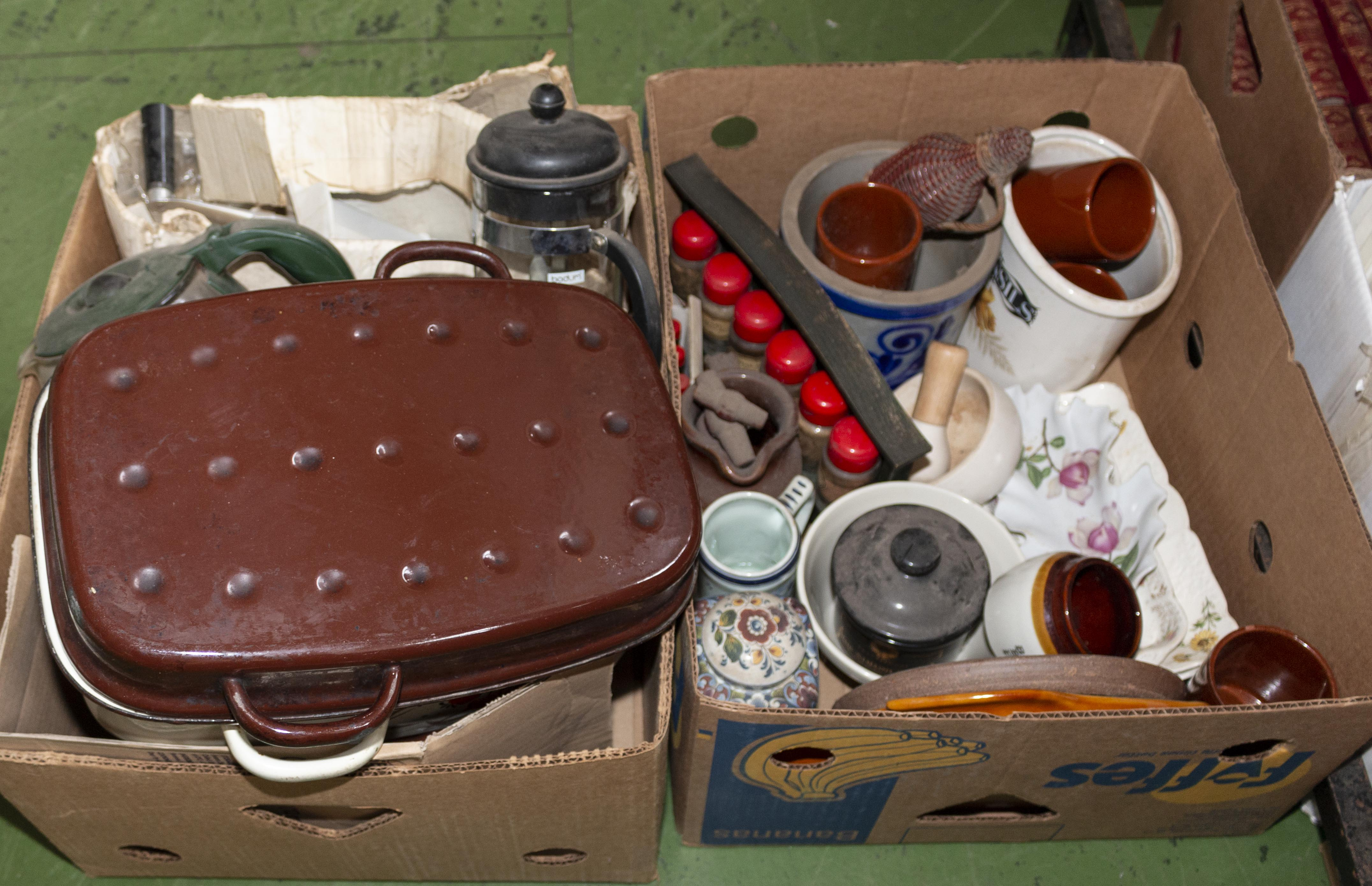 Lot 56 - Two boxes of kitchen ware