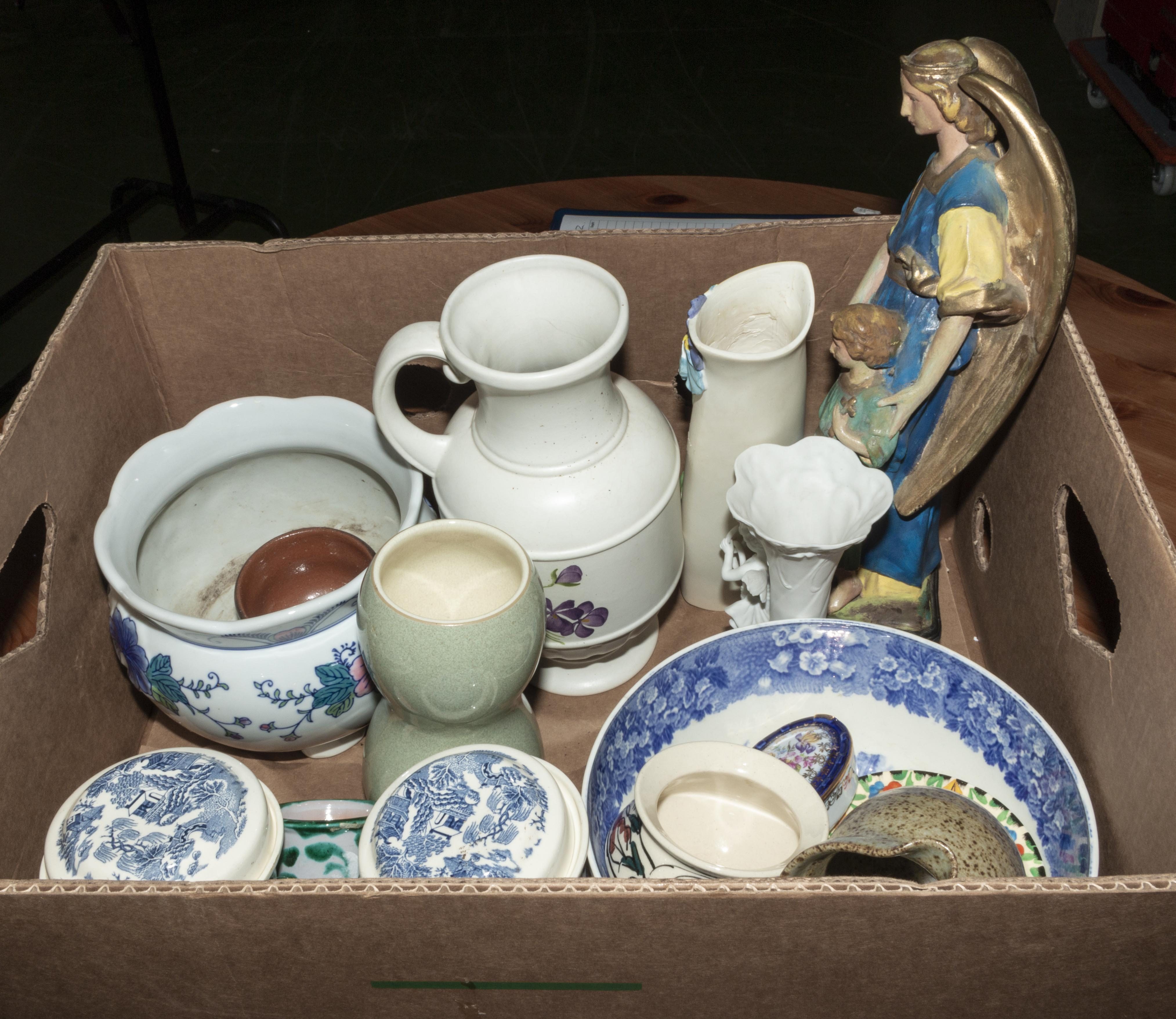 Lot 33 - A box containing pottery items