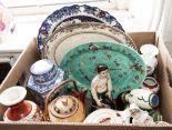 Lot 8 - A box of pottery