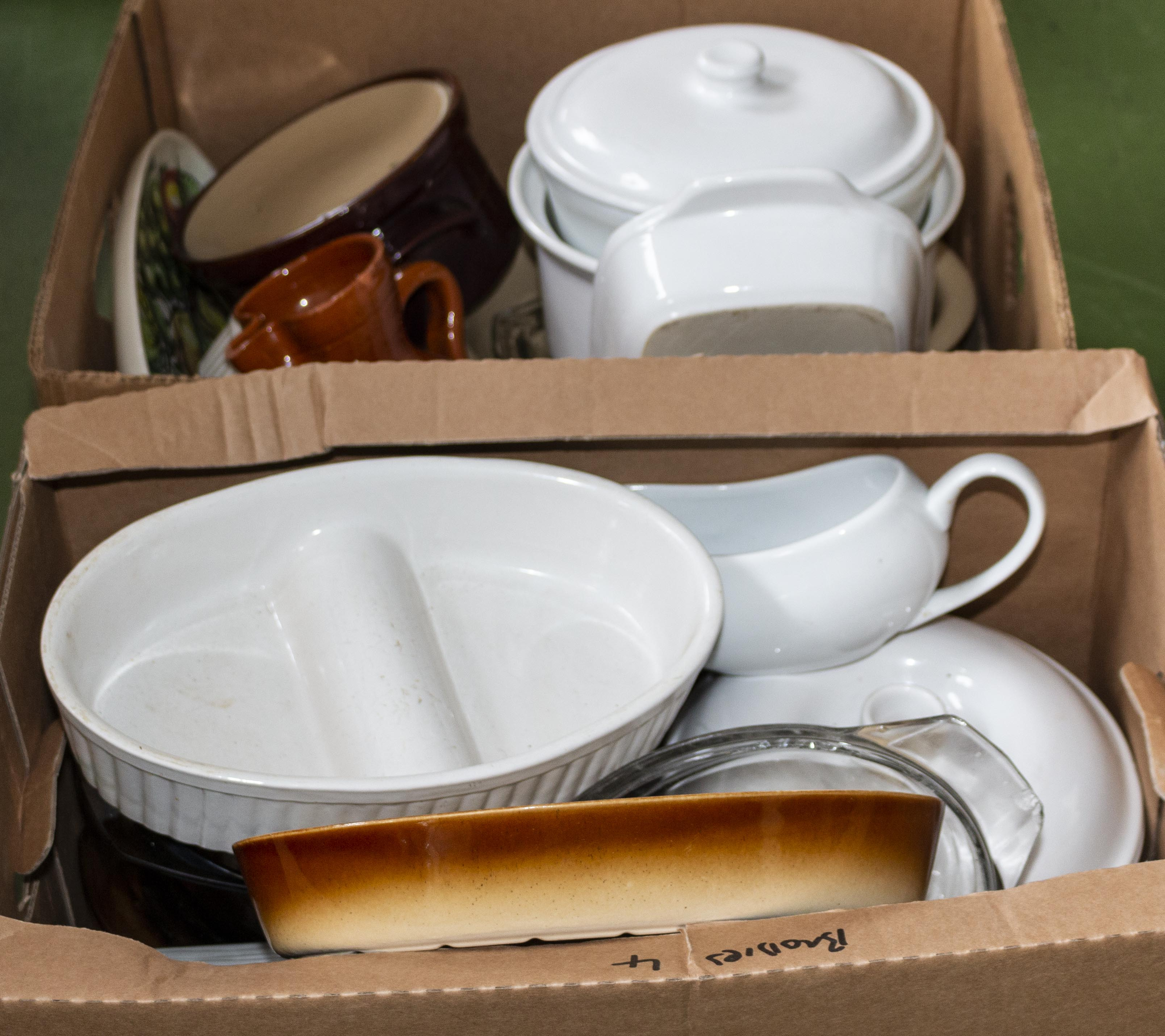 Lot 57 - Two boxes of kitchen ware