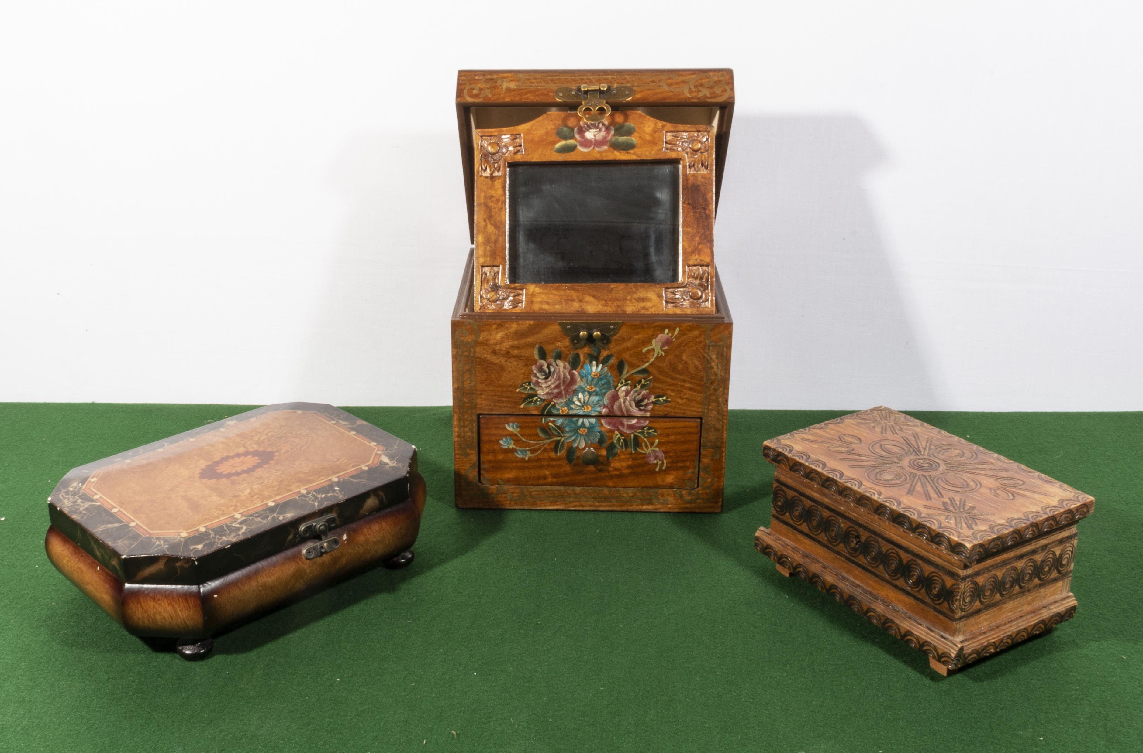 Lot 25 - Three decorative wooden boxes