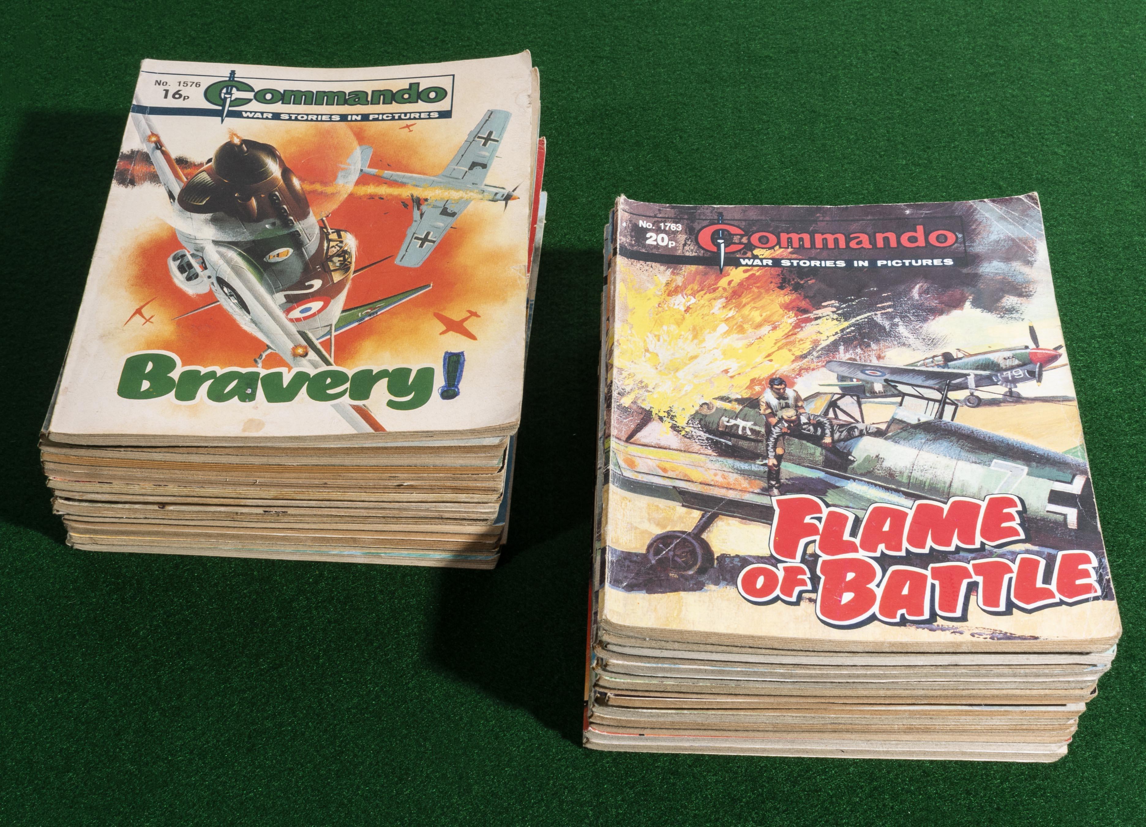 Lot 14 - 30 Commando comic books 1982/84