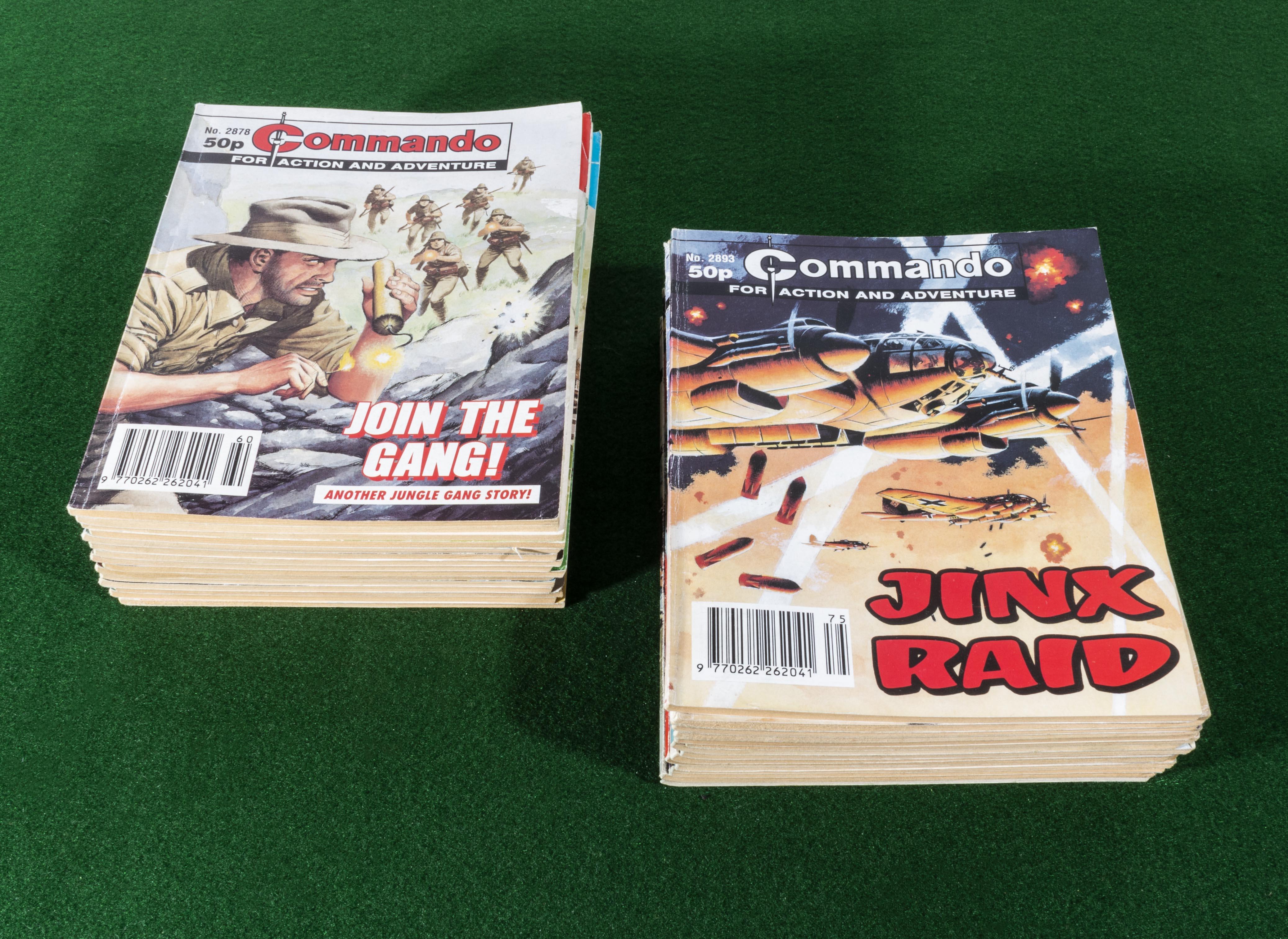 Lot 19 - 30 Commando comic books 2878/2907 1995