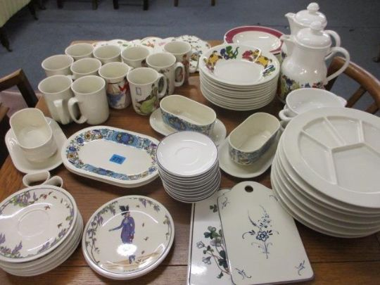 Mixed Villeroy Amp Boch China To Include Design 1900 Mugs And An