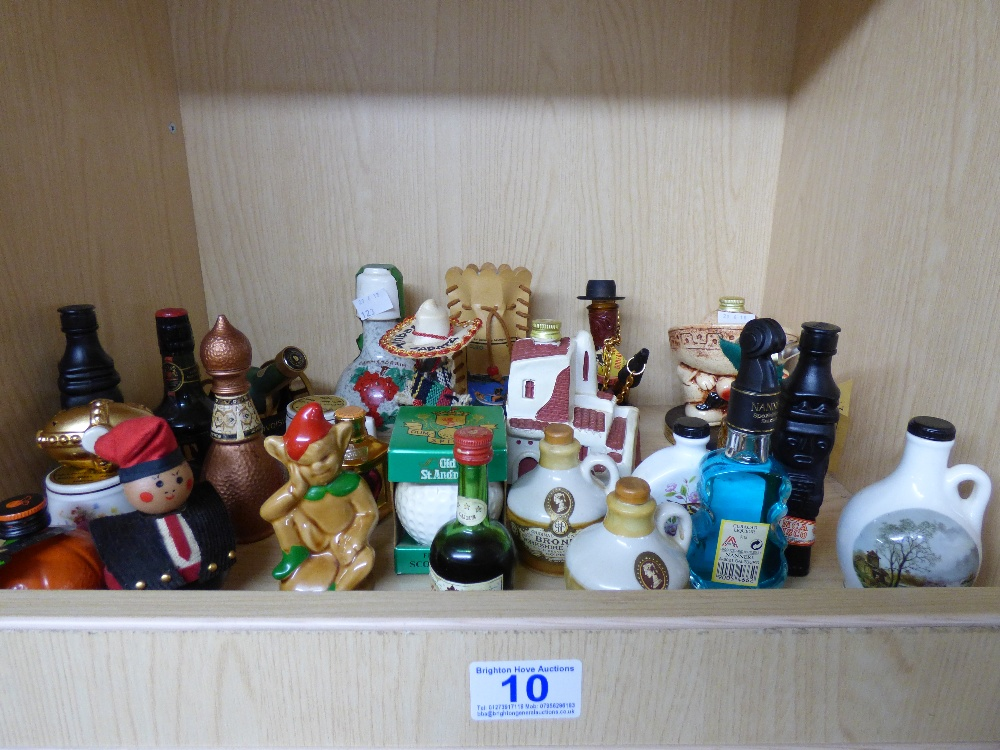 Lot 10 - COLLECTION OF MINIATURE BOTTLES OF ALCOHOL