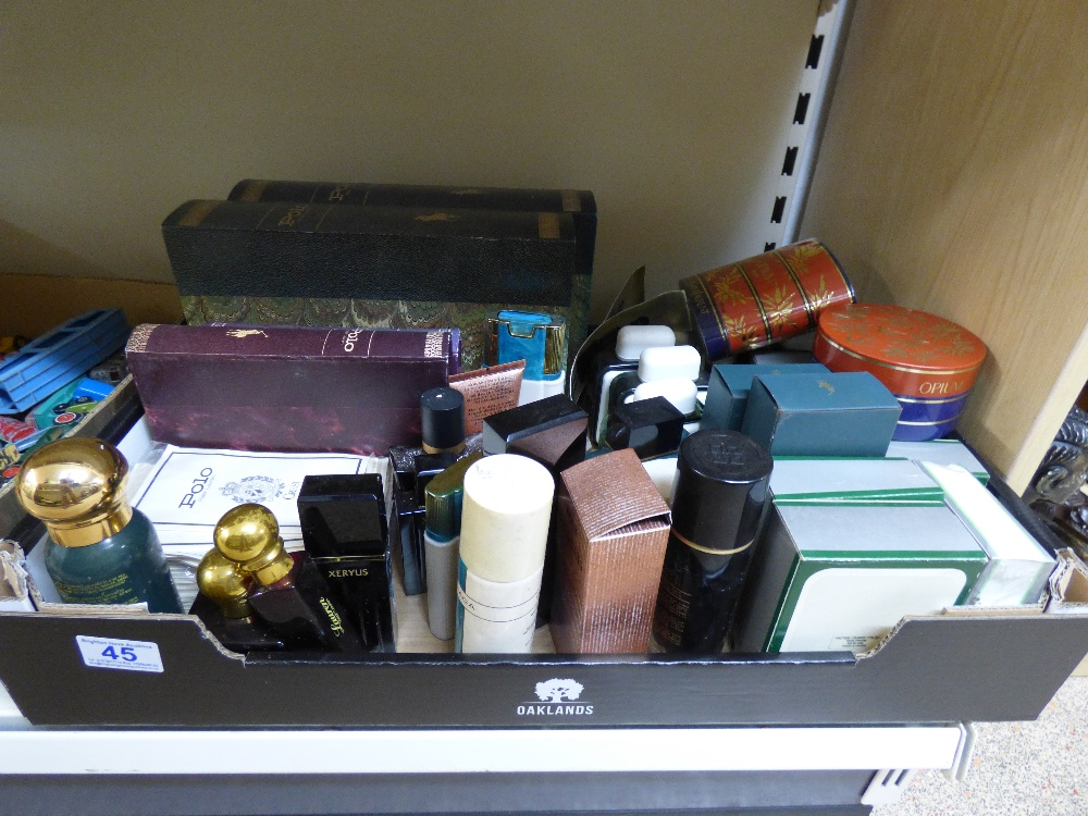 Lot 45 - QUANTITY OF PERFUME & AFTERSHAVE PRODUCTS & DISPLAY PACKAGING INCLUDING LACOSTE & BOSS