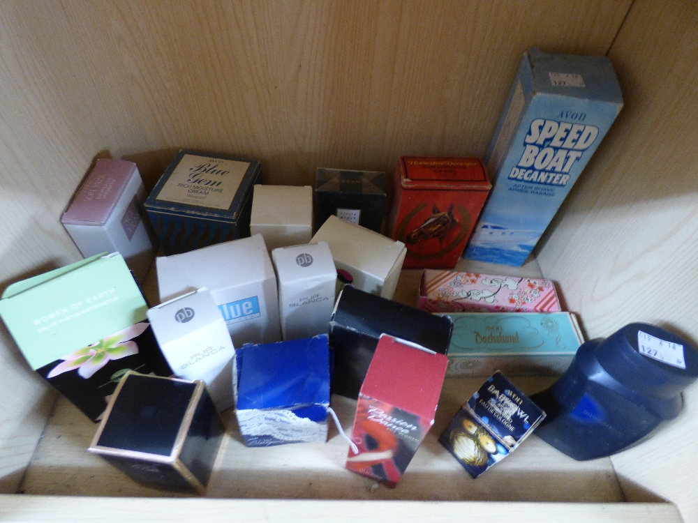 Lot 38 - QUANTITY OF PERFUMES & AFTERSHAVES INCLUDING AVON