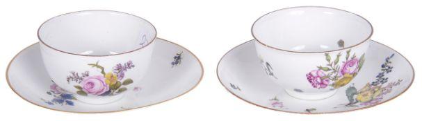 Two Meissen porcelain tea bowls, with saucers, 18th century
