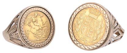 A Edward VII 1905 gold half sovereign mounted (2)