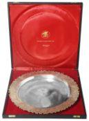"Stuart Leslie Devlin parcel-gilt silver ""President Falcon Award"" dished salver, London 1978"