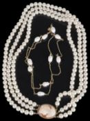 A cultured baroque river pearl chain necklace