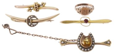 A Vict. citrine and pearl horseshoe brooch, together with various other brooches