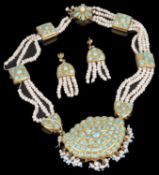 An Indian turquoise and freshwater pearl set necklace and earrings