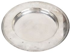 A contemporary Garrard & Co silver dished bowl, hallmarked London 1996