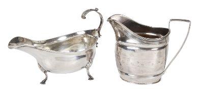 A Victoria silver cream jug, hallmarked Sheffield 1850