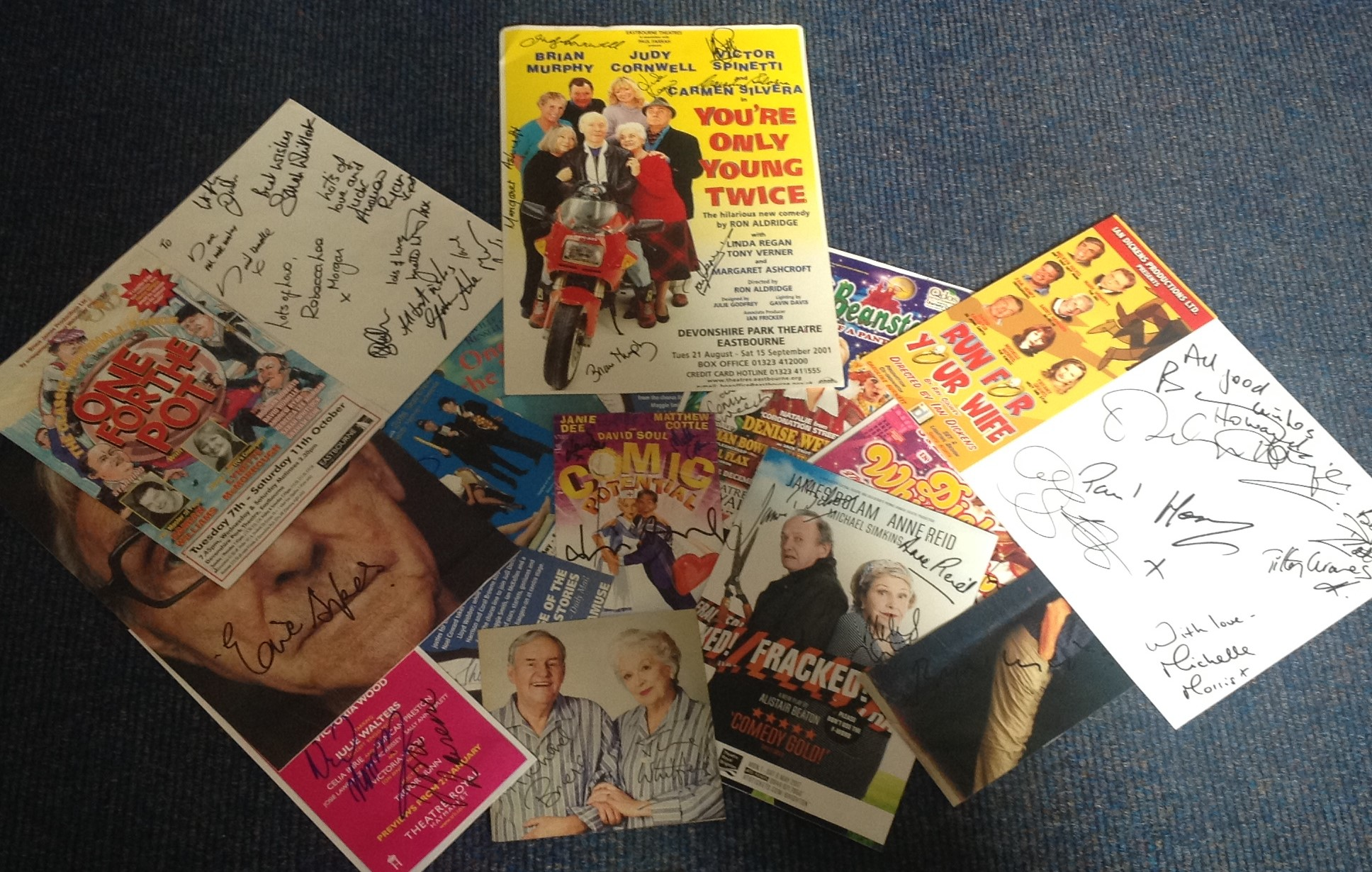 Lot 21 - Assorted TV/film signed collection. 17 items. Variety of flyers and newspaper photos all signed.