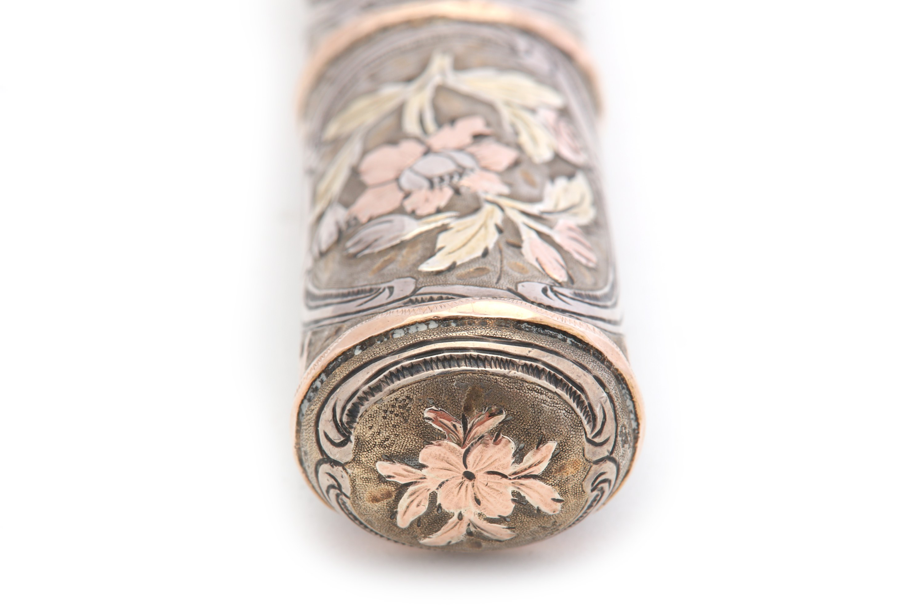 Lot 33 - An 18th century French silver with vari-coloured gold inlay sealing wax/bodkin case, stamped for dis