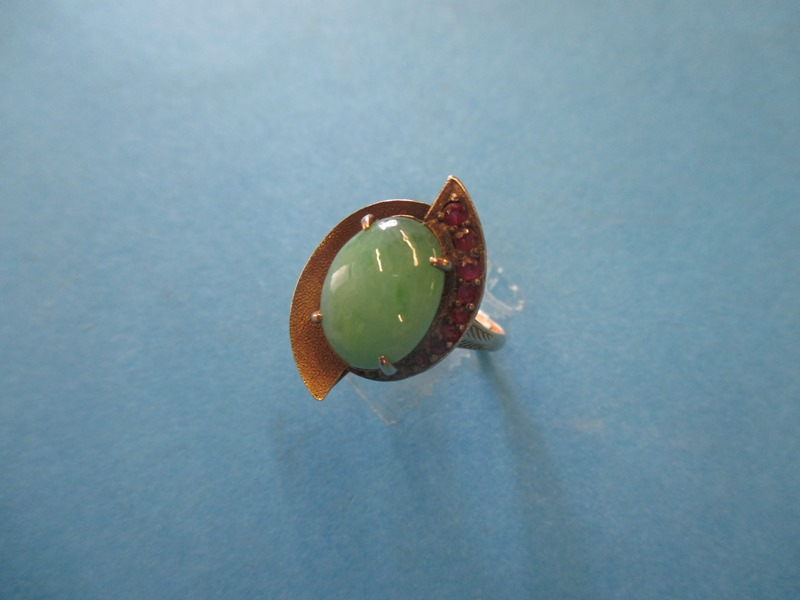 Lot 11 - A 10ct gold art deco ring