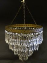 Lot 1050 - Drop tier light : A crystal 4 tier faceted drop light pendant light / chandelier,