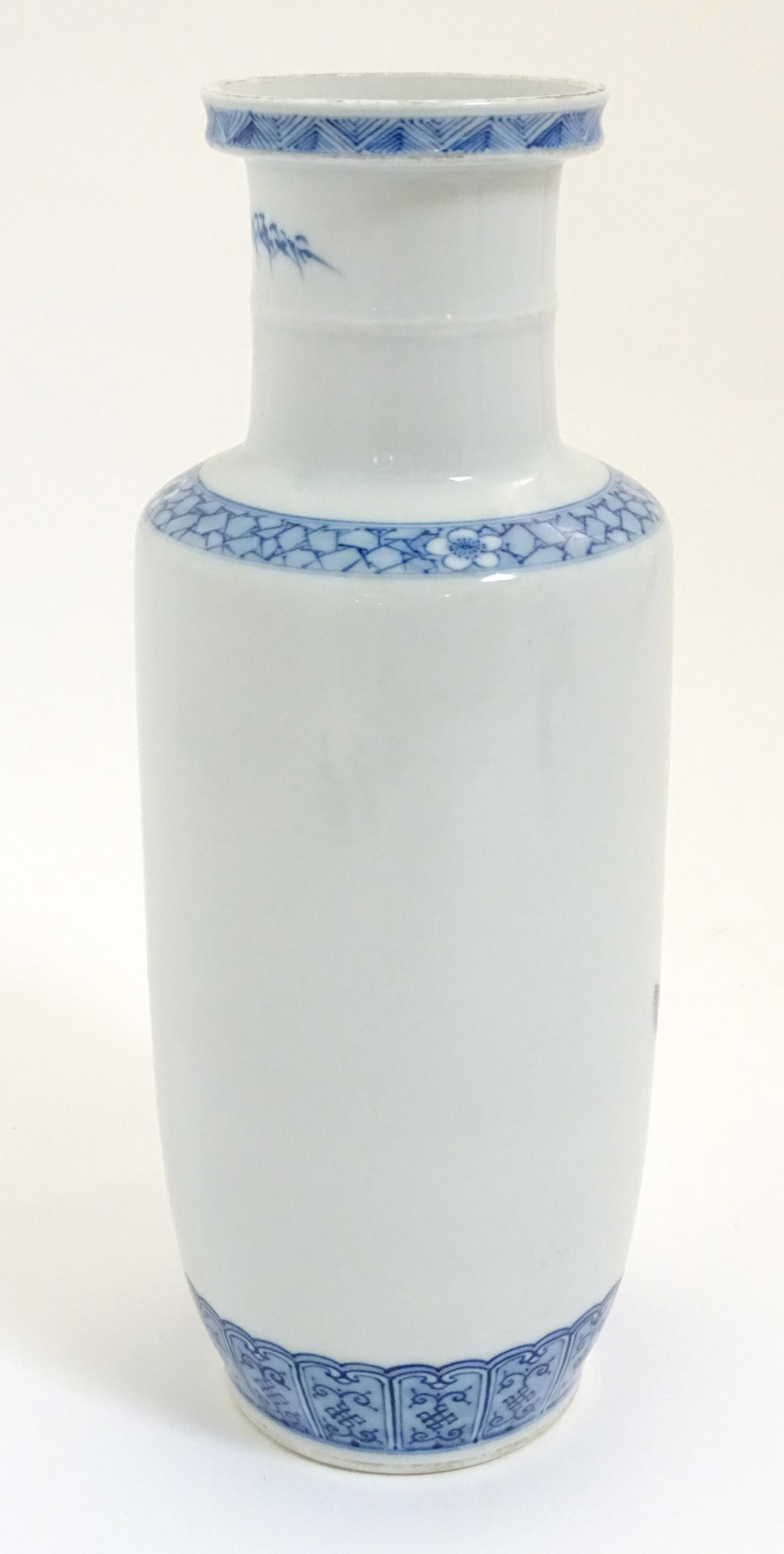 Lot 6 - A Chinese blue and white Rouleau vase,