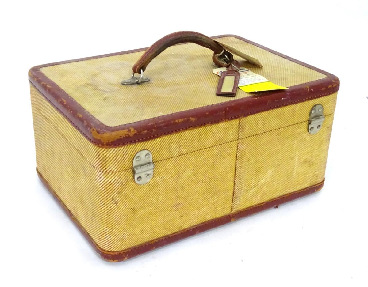 Lot 6 - Vintage Retro : ladies vanity case CONDITION: Please Note - we do not make