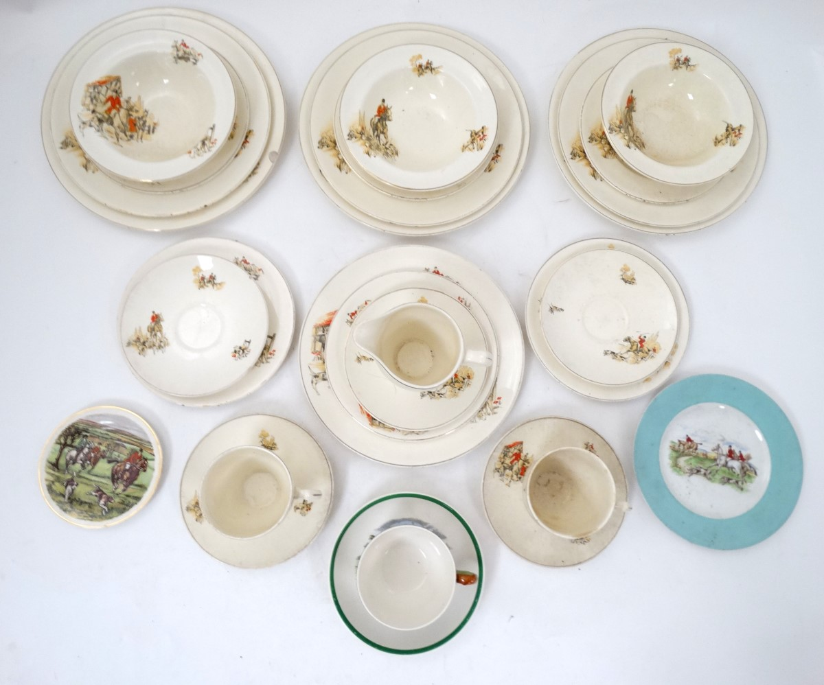 Lot 41 - Hunting: A collection of hunting ceramics to include a part tea set comprising 3 bowls,